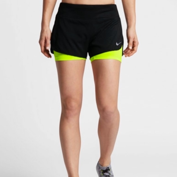26deb88d9fd1c Women s Nike Flex 2-in-1 Running Shorts XL Dri fit.  M 5a88b77f3b1608995d05a0e6